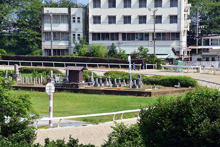 笠松競馬場のお墓