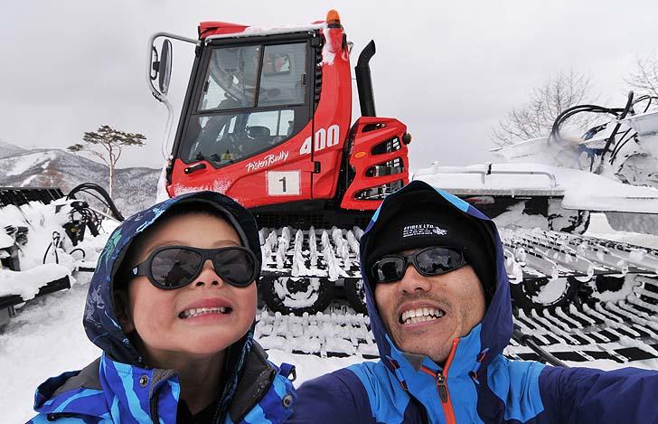 圧雪車と自撮り