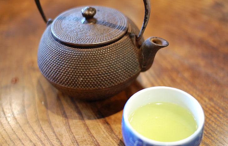 うなぎ屋たむろの緑茶