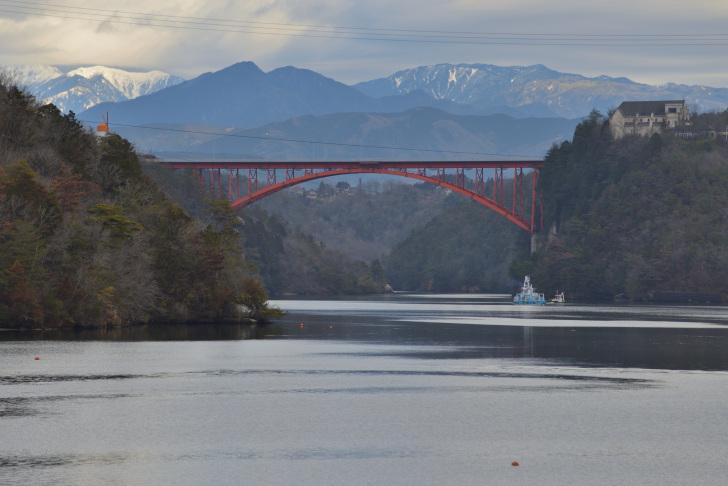 恵那峡と恵那峡大橋